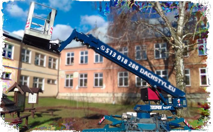 W ofercie Dachstyl.eu znajdziesz czyszczenie pokryć dachowych z zanieczyszczeń. Dodatkowo zabezpieczamy i impregnujemy dachy.